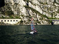 Gardasee (ingrid eulenfan) Tags: italien italy italia gardasee see wasser segelboot boot sonyalpha6000 18105mm