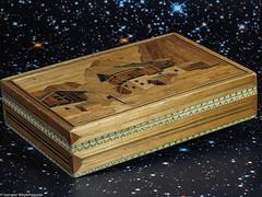 Looking close on Friday - Box with intarsia (J.Weyerhäuser) Tags: box holz intarsien lookingcloseonfriday schachtel