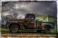 'Tis the Season (* Gemini-6 * (on&off)) Tags: international truck pickup vehicle transportation rust patina decay hdr framed sky clouds christmas wreath lowangle wideangle hss