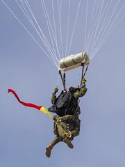 CFR5589 (Carlos F1) Tags: nikon aircraft airplane aeroplane avion aeronave festaalcel airshow festivalaereo festival planespotter spotting lleida lerida ild paracaidas paracaidismo parachute skydiving parachuting alguaire spain