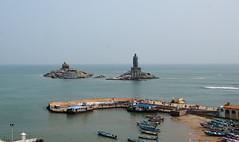 The  Pier, Kanyakumari. (draskd) Tags: kanyakumari vivekanandarock landscape sea ocean arabiansea indianocean pier boat boating tourists draskd thiruvalluvarstatue 149 29112019