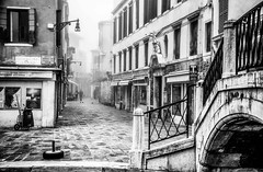 Before Rush Hour (photofitzp) Tags: venice fog bw blackandwhite 2019 deserted february italy canal water