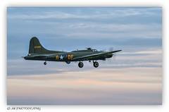 Boeing B-17G / SALLY B / G-BEDF (MK|PHOTOGRAPHY) Tags: boeing b17g sallyb gbedf flugzeug aircraft airshow roskilde dänemark denmark k1 hdpentaxdfa150450mmf4556eddcaw matthias körner mattkoerner1 mk|photography