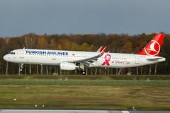 TC-JTK (PlanePixNase) Tags: aircraft airport planespotting haj eddv hannover langenhagen turkish turkishairlines airbus a321 321 pinkcap