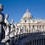 01c Лоренцо Бернини. Колоннада собора со 140 статуями святых