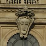 11b Палаццо Барберини, герб на фасаде