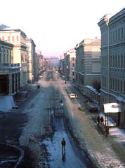 View from Hermitage, Leningrad,  USSR, 1979 (D70) Tags: viewfromhermitage leningrad ussr 1979 petrograd russia hermitage street people slide film kodachrome64 halfframe scanned