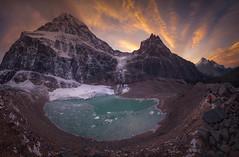 Huellas del cambio climático (el_farero) Tags: rocosas rockies canada angelglacier glacier landscape panoramic sunset pacofarero lake clouds