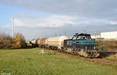 Lineas 500 1571, Rotterdam Botlek, 29-11-2019 14:43 (Derquinho) Tags: lineas 500 1571 vossloh g 1206 g1206 lna rotterdam botlek tank wagon wagons train raoil trein lyondell kesselzug keteltrein rail freight port theemsweg