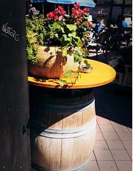Graffiti (UlvargHS) Tags: graffiti käse fass naschmarkt wien österreich urlaub ausflug blumen gemütlich urig sommer ulvarg olympus olympusomdem10ii affinityphoto