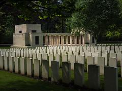 Their name liveth for evermore (h.dirix) Tags: wereldoorlog1 world war australia new zealand belgium ypres ieper westhoek vlaanderen flandres polygonwood victims death graves young soldiers