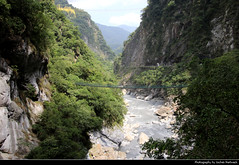 Taroko NP, Taiwan (JH_1982) Tags: taroko national park np nationalpark parque parc nacional 太魯閣國家公園 太魯閣国家公園 타이루거 국가공원 тароко национальный парк gorge schlucht suspension bridge hängebrücke valley river water rocks parco nazionale nature landscape scenery scenic mountain mountains natur landschaft táiwān taiwan roc 臺灣 台灣 中華民國 中華民国 중화민국 китайская республика تايوان चीनी गणराज्य
