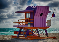 IMGP6620x-1f (bertrand.garrigou) Tags: hdr lifeguardhouse beach pentaxart pentax k3floride miamibeach