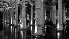 Istanbul, Basilica Cistern (gerard eder) Tags: world travel blackandwhite turkey blackwhite europa europe istanbul türkei viajes turquia reise estambul basilicacistern blancoynegro water monochrome wasser historic säulen columnas whiteandblack whiteblack colomns historicsites reflections