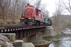 y&s 177 (Fan-T) Tags: ys 222 gp18 youngstown southern southeastern emd shortline bridge icg 9368