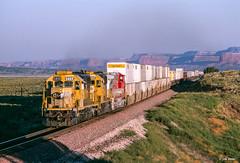Daybreak on the Divide (thechief500) Tags: nm bnsf railroads gallupsubdivision atsf santaferailway newmexico