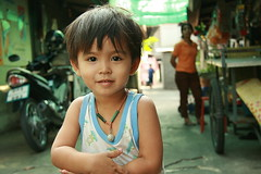 handsome boy (the foreign photographer - ฝรั่งถ่) Tags: handsome boy child khlong thanon portraits bangkhen bangkok thailand canon