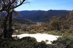 Looking back down the valley to Thredbo, NSW (Paul Threlfall) Tags: thredbo nsw kosciuszkonationalpark skiresort mountains snowymountains snow sky town