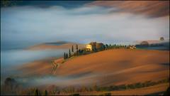 Guten Morgen Sonnenschein (angelofruhr) Tags: italien italy italia toscana pienza valdorcia morning sonnenaufgang sunrise nebel nebbia fog hügel hills tuscany