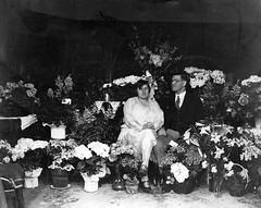 flowers... (doc(q)man) Tags: family relative distantrelative familyhistory old twenties 1920s 1929 oldphoto predigital bw blackandwhite monochrome wedding flowers portrait bouquest docman