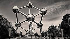 Brüssel/ Bruxelles Atomium (katharina_amari) Tags: brüssel bruxelles atomium architecture expo 1958 blackwhite