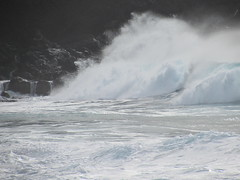 Storm surf (thomasgorman1) Tags: surf waves molokai hawaii canon shore storm crashing travel seascape coast island sea ocean pacific kepuhi