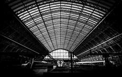 _DSC3476-1bw (stilk50) Tags: blackandwhite bw station railway rail roof trains train london
