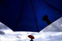 F_MG_9290-Canon 6DII-Canon 16-35mm-May Lee 廖藹淳 (May-margy) Tags: maymargy 紅傘 雨傘 雲彩 人像 背影 逆光 剪影 幾何構圖 點人 街拍 線條造型與光影 天馬行空鏡頭的異想世界 心象意象與影像 台灣攝影師 新北市 台灣 中華民國 red umbrella clouds portrait viewfromback silhouette backlighting streetviewphotography linesformsandlightandshadow mylensandmyimagination naturalcoincidencethrumylens taiwanphotographer newtaipeicity taiwan repofchina canon6diicanon1635mm maylee廖藹淳 fmg9290