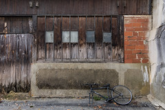 B'Twin (Ivan van Nek) Tags: ruelagrange masseube gers france 32 midipyrénées occitanie decaying bicycle nikon nikond7200 wreck d7200 sigma1770 urbandecay decathlon btwin fiets