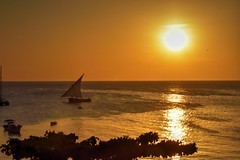 Stone Town (Enrica F) Tags: stonetown zanzíbar tanzania áfrica nikon sunset sea