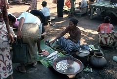 Markt in Myanmar (walter 7.8.1956) Tags: 1981 myanmar mandaly burma asien markt fisch