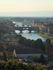 Firenze, l'Arno e il Ponte Vecchio... (FloDL) Tags: italia italie italy firenze florence arno ponte pontevecchio perspective tourisme centrehistorique