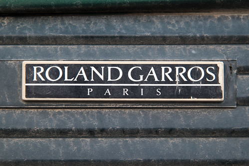 Roland Garros plate on an old Peugeot car
