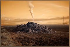 2019 11 30 Bevern IR 680nm - 37 (Mister-Mastro) Tags: dungheap misthaufen schornstein chimney industrie industry ir infrared 680nm