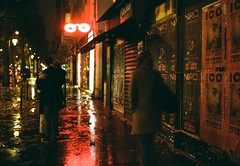 (Eric Jan Zen) Tags: love amour nuit pluie rain couple kiss