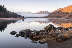 Llynnau Mymbyr (William Rigby) Tags: mist wales unitedkingdom inversion northwales capelcurig snowdon morning mountain lake mountains sunrise reflections rocks snowdonia goldenhour llyn llynnaumymbyr mountsnowdon snowdonhorseshoe