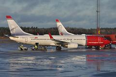 LN-DYH Boeing B737-8JP ESSA 27-11-13 (MarkP51) Tags: lndyh boeing b7378jp b737 norwegianairshuttle nax dy stockholm arlanda essa sweden airliner aircraft airplane plane image markp51 nikon d5000 sunshine sunny