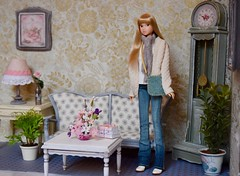 Momoko Living Room (Girl Least Likely To) Tags: momoko closeclippedsheep ccs cowardlylion blonde asianfashiondolls bangs diorama dollhouse dollscene dollroom livingroom shabbychic miniatures smallworlds