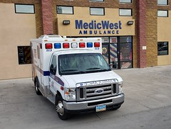 Medicwest Ambulance, Las Vegas (Summerlin540) Tags: amr americanmedicalreaponse envision ems emt paramedic ambulance ambulancia emergency emergencia medical 911 999 112 nevada clarkcounty lasvegas north desert ford e350 van