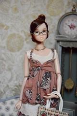 Portrait of Aeriel (Girl Least Likely To) Tags: momoko closeclippedsheep ccs asianfashiondolls dolls diorama dollhouse dollscene dollroom miniatures livingroom smallworlds toys
