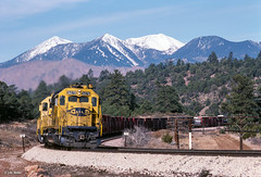 ATSF 5079 East at Cosnino, AZ (thechief500) Tags: atsf arizonadivide bnsf railroads seligmansubdivision santaferailway az arizona