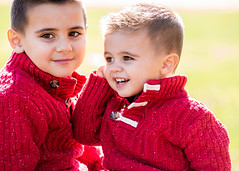 DSC06301-1076.jpg (Gary Shaw Photography) Tags: family brothers children familyportraitphotography sonyalpha fall park candid fun sunlight portrait siblings backlight natural minolta80200f28apohs