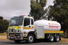 SACFS | Mawson Group BW11 (adelaidefire) Tags: sa sacfs cfs south australian country fire service mawson bw11 isuzu moore engineering