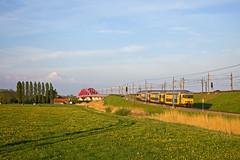 NS trein 5672 Zwolle - Utrecht Centraal  - Hattem (Rene_Potsdam) Tags: hattem gelderland nederland holland netherlands europe europa treinen trains trenes tren treni züge spoorwegen dubbeldekker nederlandsespoorwegen