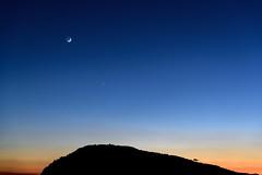 土星、月、金星、木星ーSaturn, Moon, Venus, Jupiter (kurumaebi) Tags: yamaguchi 秋穂 山口市 nikon d750 nature landscape sky sea 海 dusk 夕焼け 空 月 moon night 夜 土星 金星 木星 saturn venus jupiter