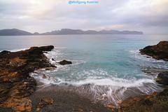 Badia de Pollenca, Majorca (elbigote1946) Tags: fadingdaylight bay turquoise waves spain spanien