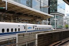 Shinkansen @ Tokyo Station (Rick & Bart) Tags: japan nippon 日本 rickvink rickbart canon eos70d city landoftherisingsun shinkansen 新幹線 train bullettrain transport