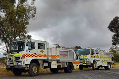SACFS | Kangarilla 34 and A34 (adelaidefire) Tags: sa sacfs cfs south australian country fire service kangarilla 34 hino moore engineering a34 isuzu fraser rescue