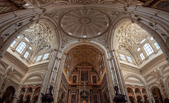 Prachtvolle Symmetrie (einsenfei) Tags: andalusien em1ii mft urlaub vacation cordoba mesquita architecture cathedral ornaments panorama spain renaissance golden mosque