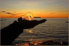Eine schönen 1.Advent ! (der bischheimer) Tags: sonnenuntergang sunset sundown rügen mecklenburgvorpommern hiddensee ostsee meer baltic silhouette glühbirne canon derbischheimer dranske